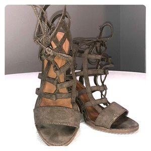 Qupid Heels - Size 7.5